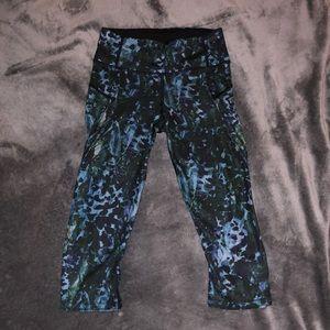 Lululemon compression capri pants